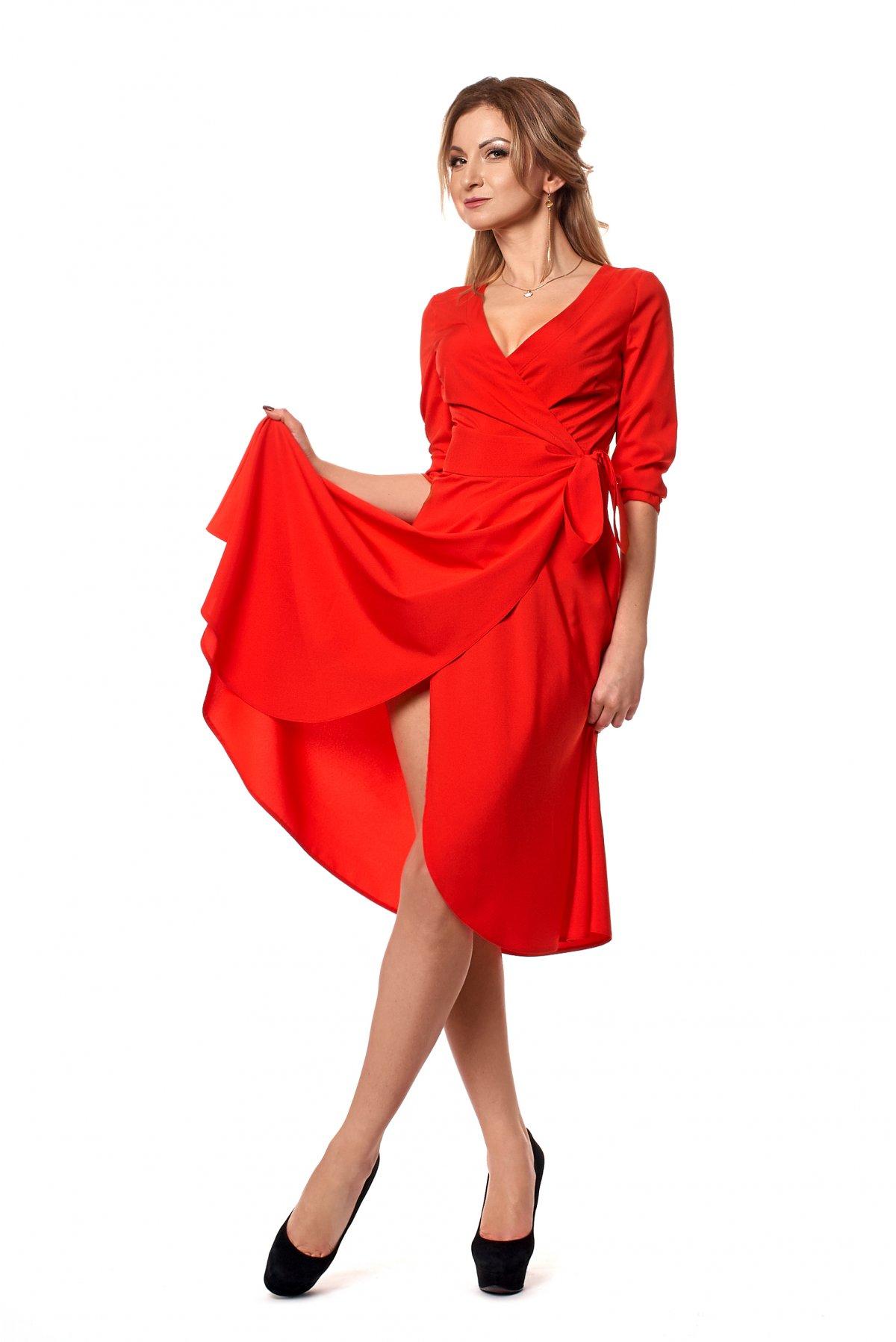 Женское платье на запах (фото) - Фотогалерея стильной одежды ... 32c5d56b49c5a