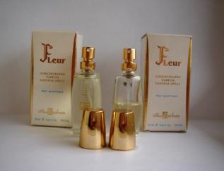 Зручна форма і її зовнішня чарівність дозволить використовувати парфуми в  такому флаконі і в якості подарунка і для ... cae39bc59958d