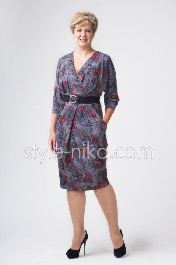 Елегантне жіноче плаття великих розмірів