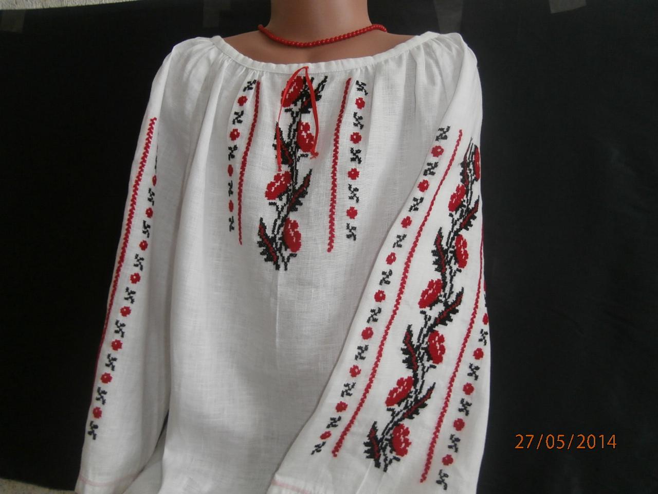 вышиванка для девочки ручной работы на льне с маками цена 5c0f234b7f0b8
