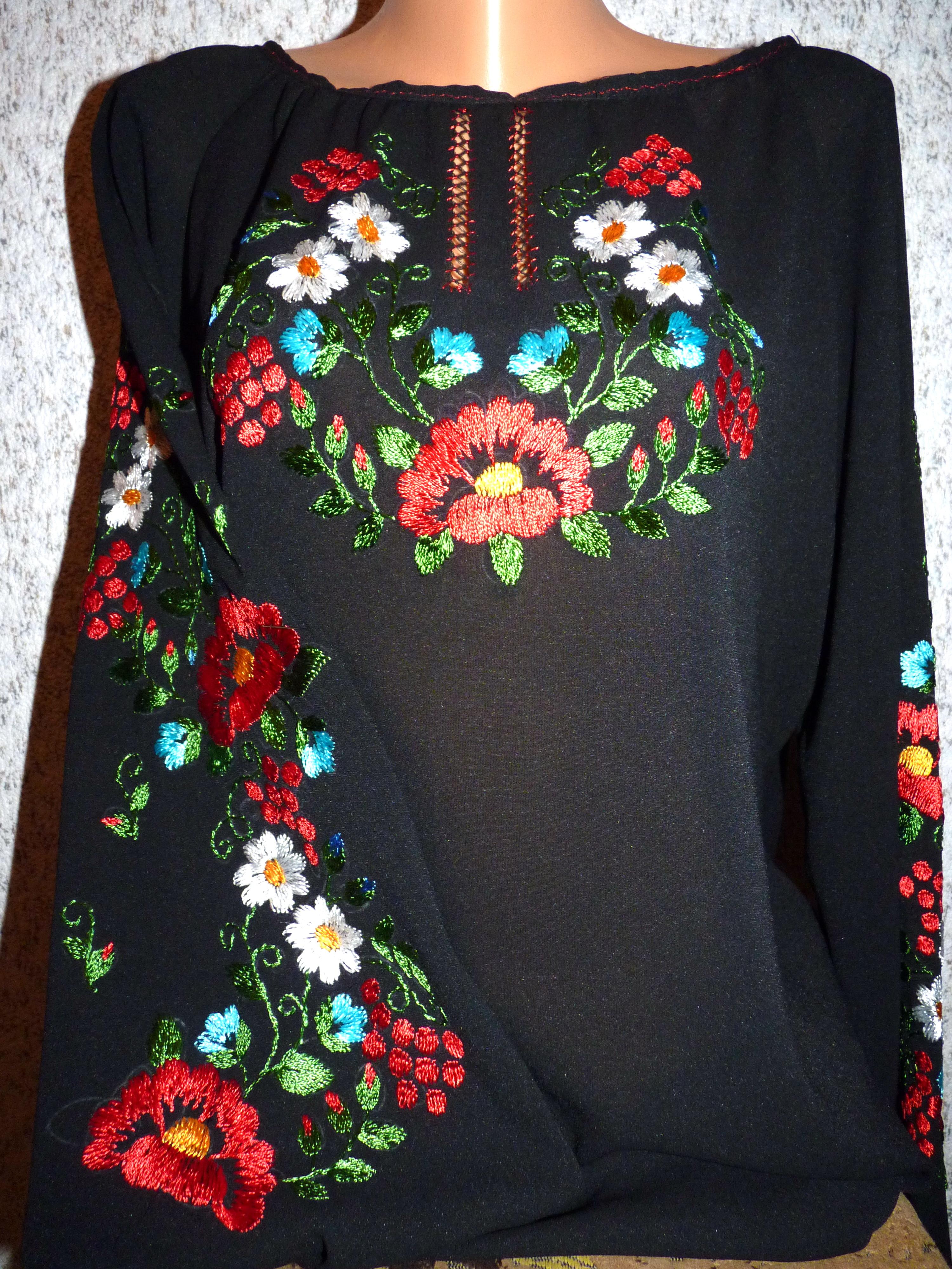 українська жіноча вишиванка чорна з квітами b99898cbd847b
