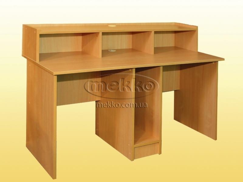 Компьютерный стол с местом под системный блок посредине (700.
