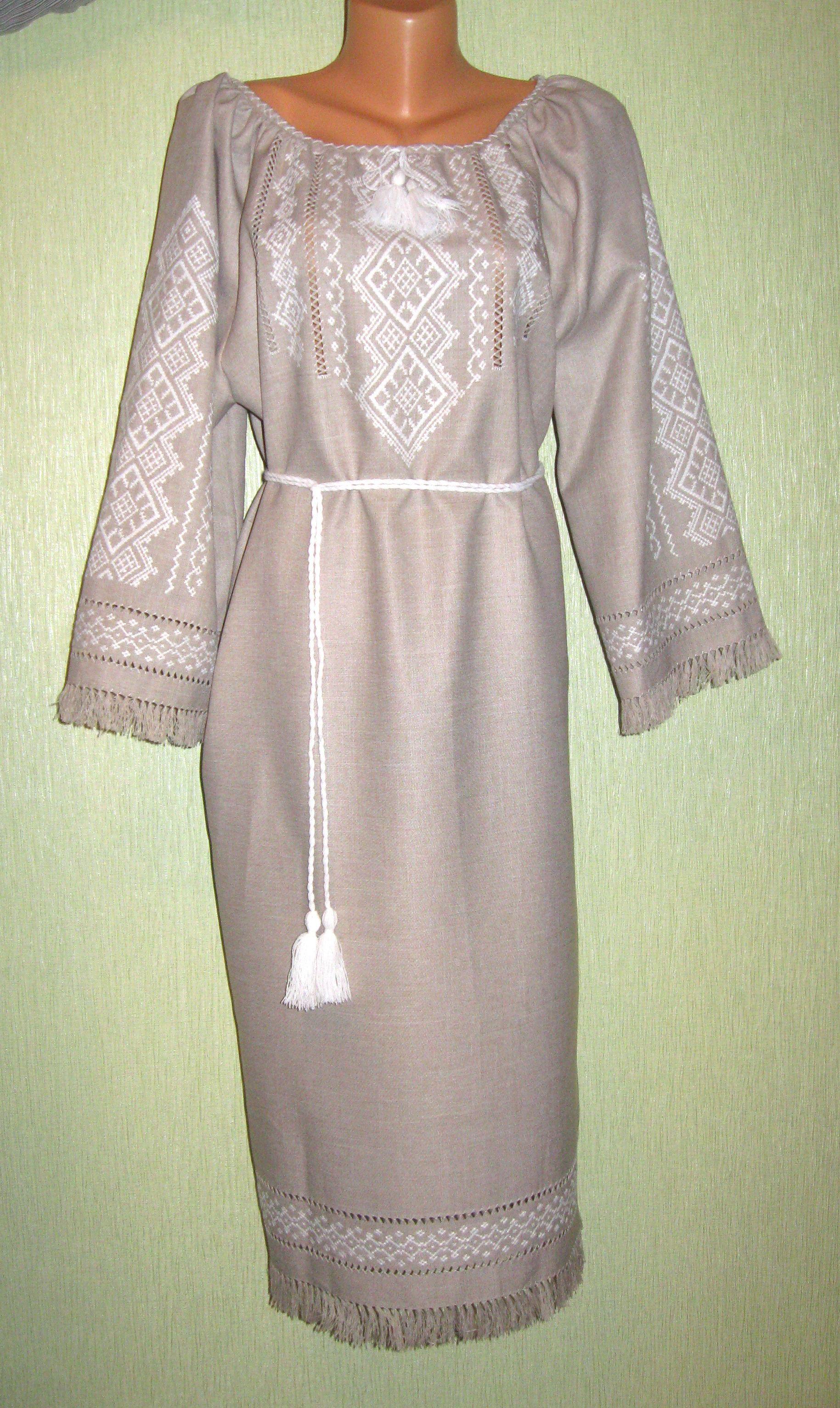 плаття ручної роботи на сірому льоні з білою вишивкою - Товари ... 4267b5ad6a59a