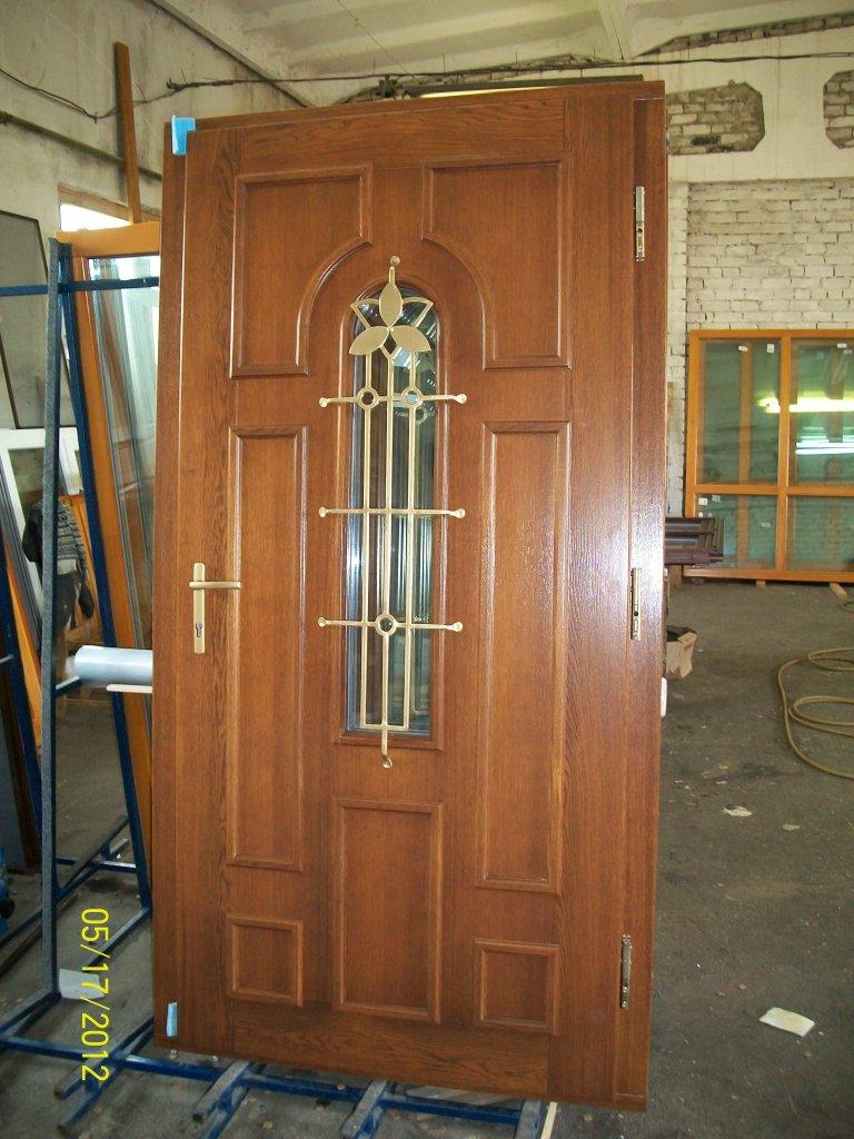 теплые входные двери из дерева продажа