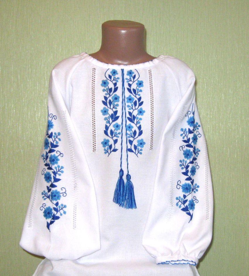 вишиванка для дівчинки вишита гладдю з голубими квітами на домотканому  полотні ручної роботи недорого 772f7aede7d77