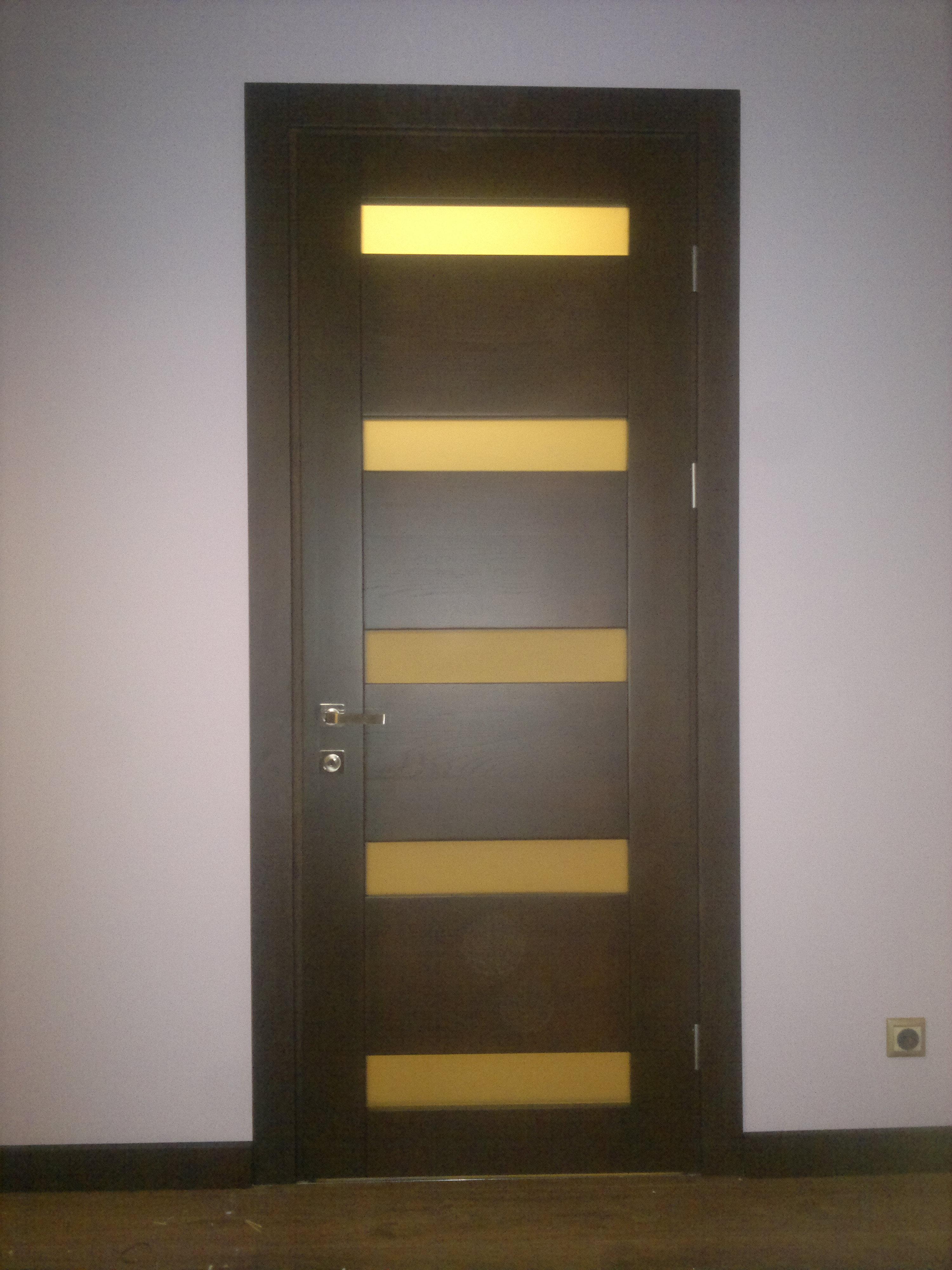 міжкімнатні деревяні двері 5 прямокутних віконця ціна купити