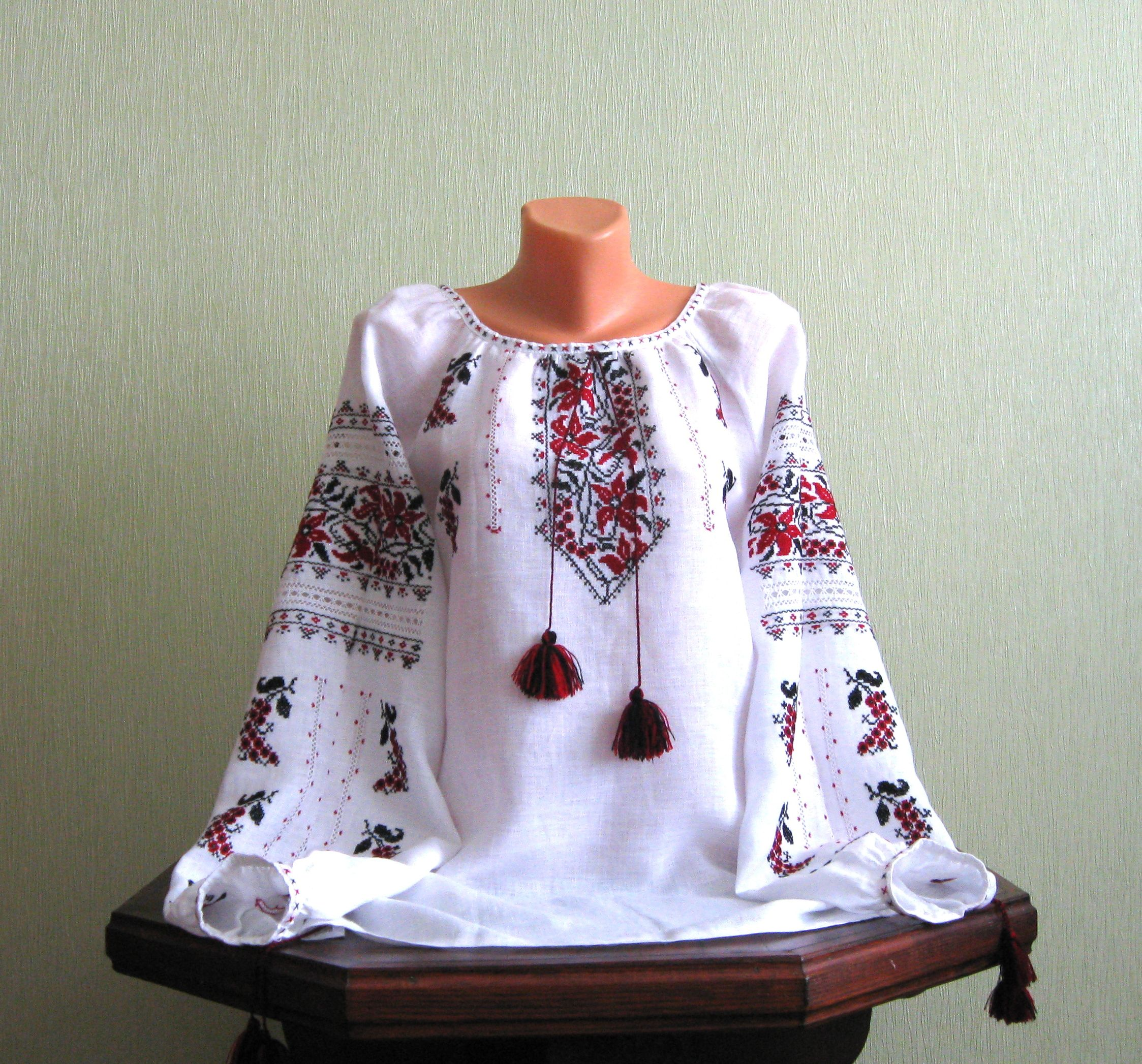 Жіноча вишита сорочка зі старовинним візерунком ручної роботи ціна ... d598c60d64f31