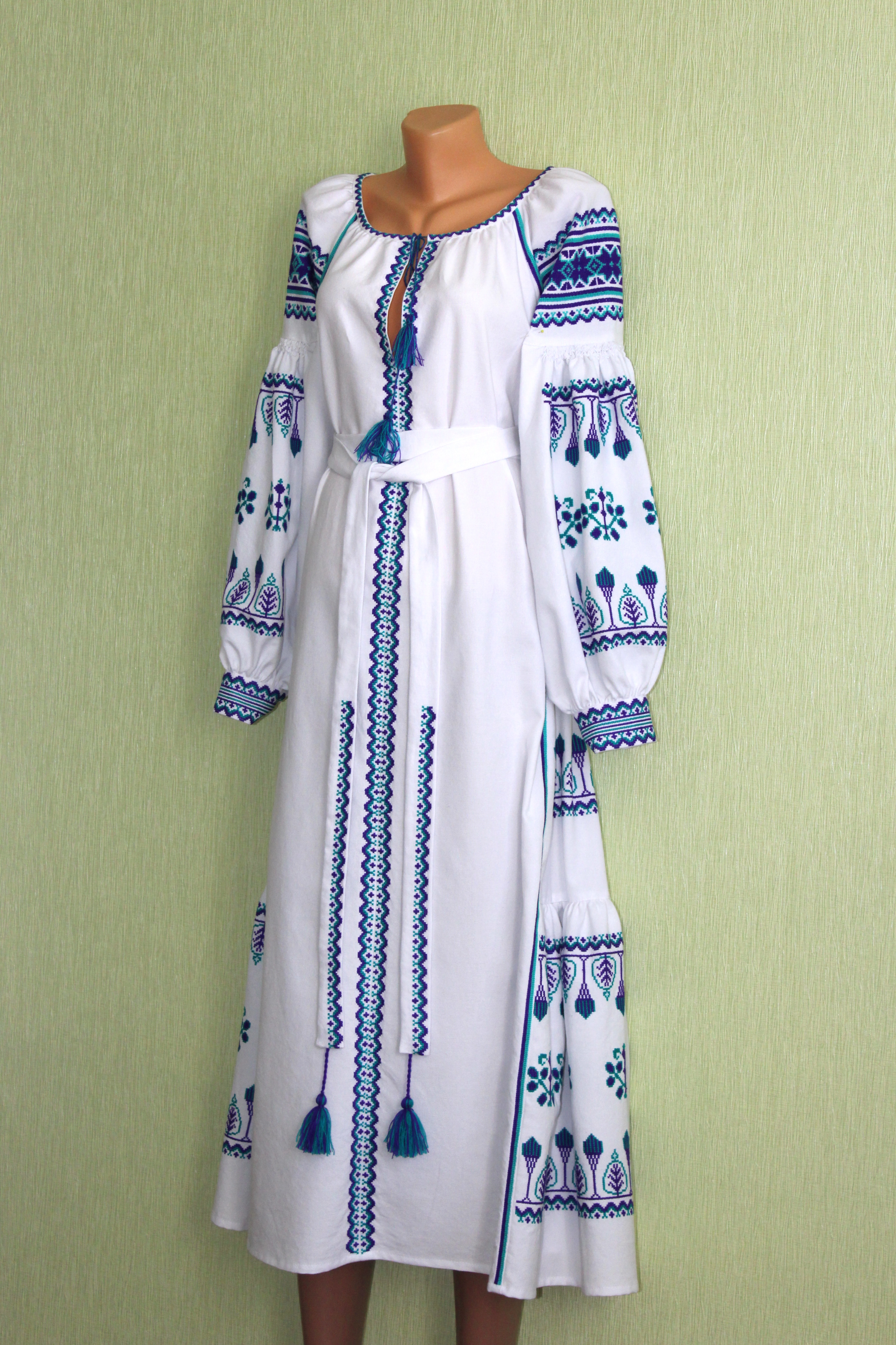 92eb10fc7e5a2e Сукня вишита ручної роботи в стилі