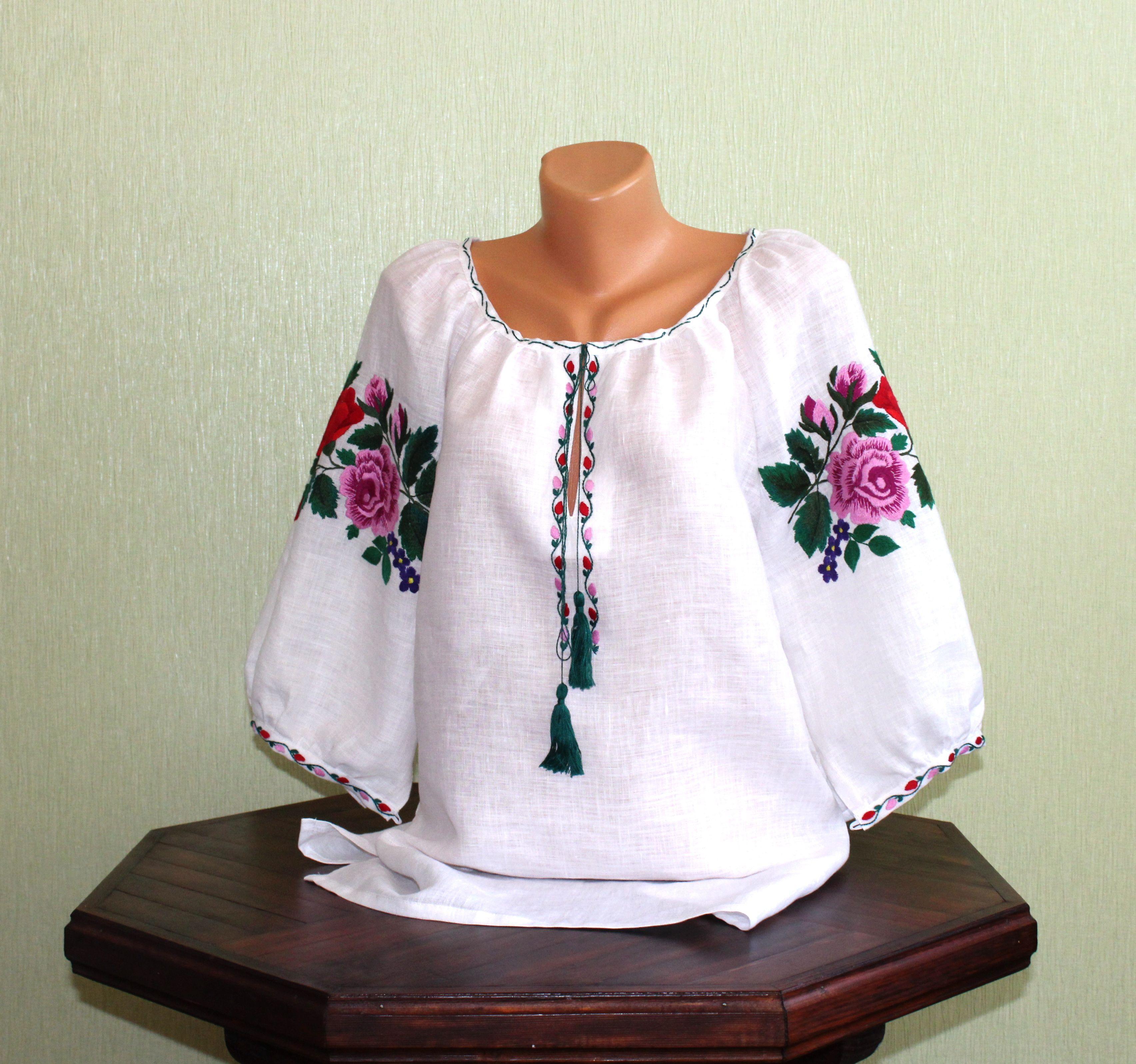 Сорочка жіноча вишита гладдю ручної роботи