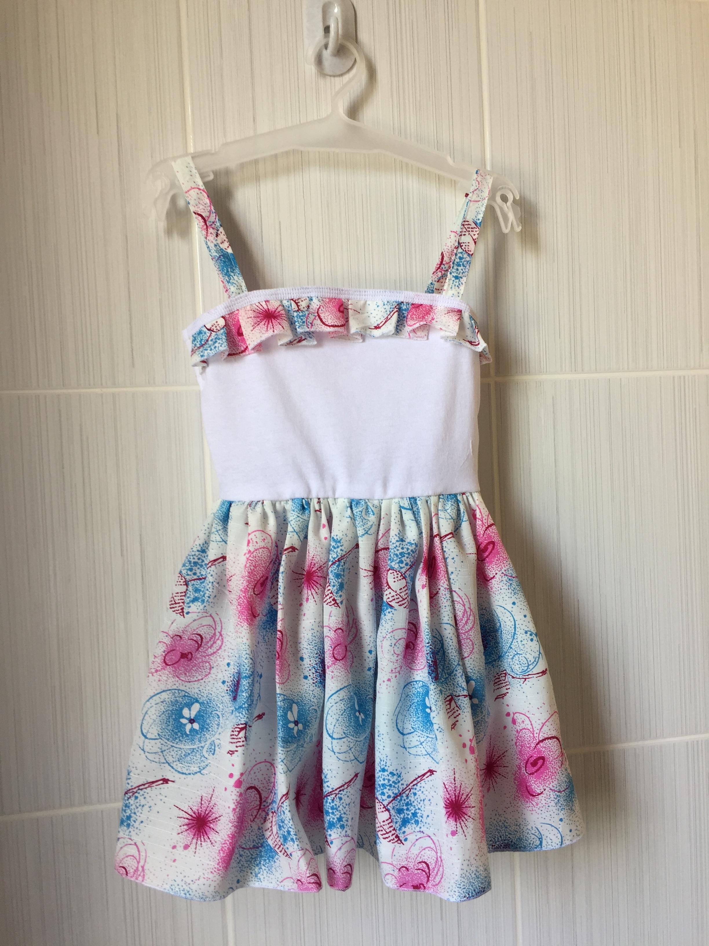 Нарядне дитяче плаття для урочистих подій 4a14e5007acda