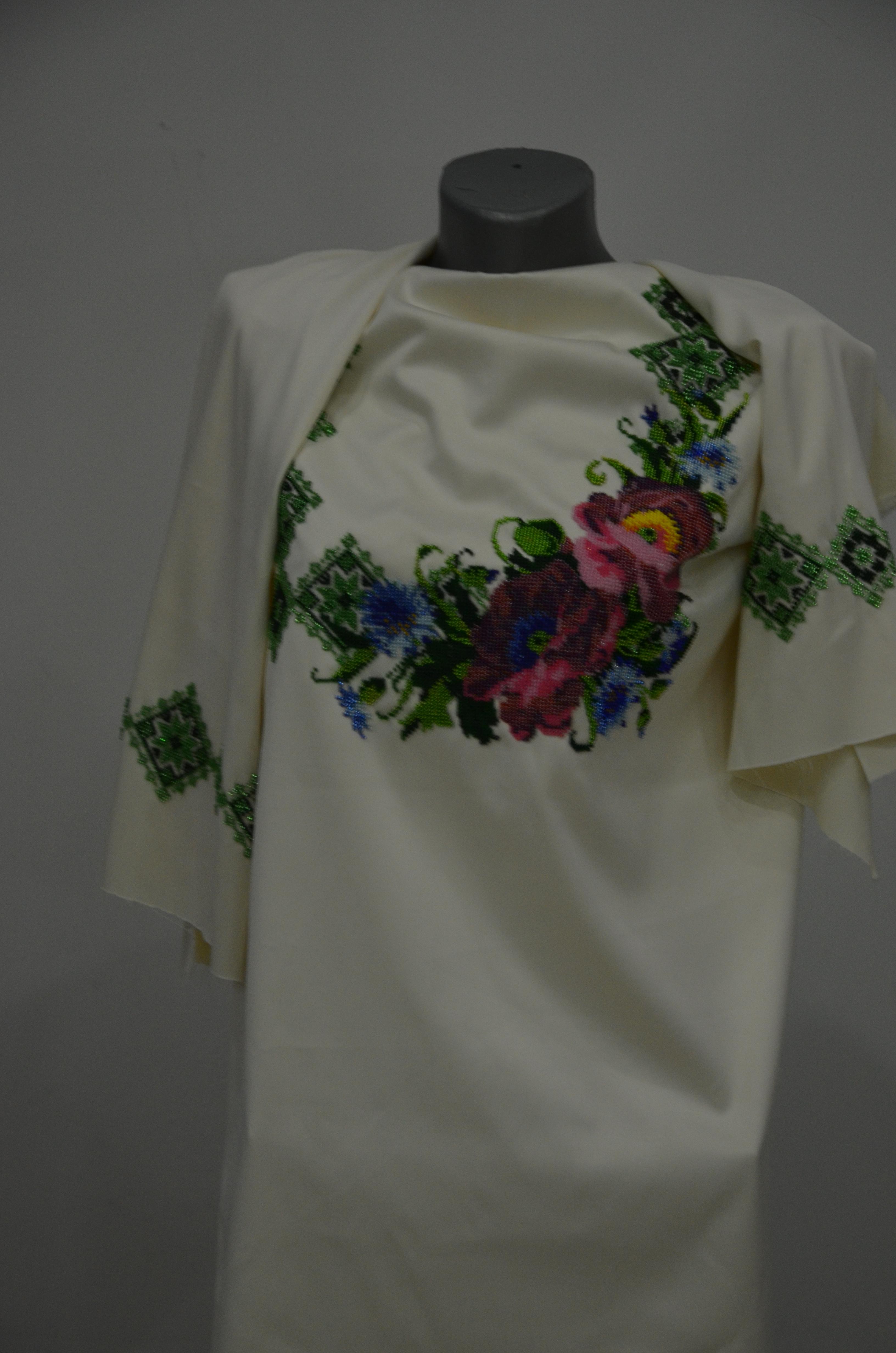 Вишита сорочка бісером Параді - Товари - Схеми для вишивки бісером ... db86e6551a882