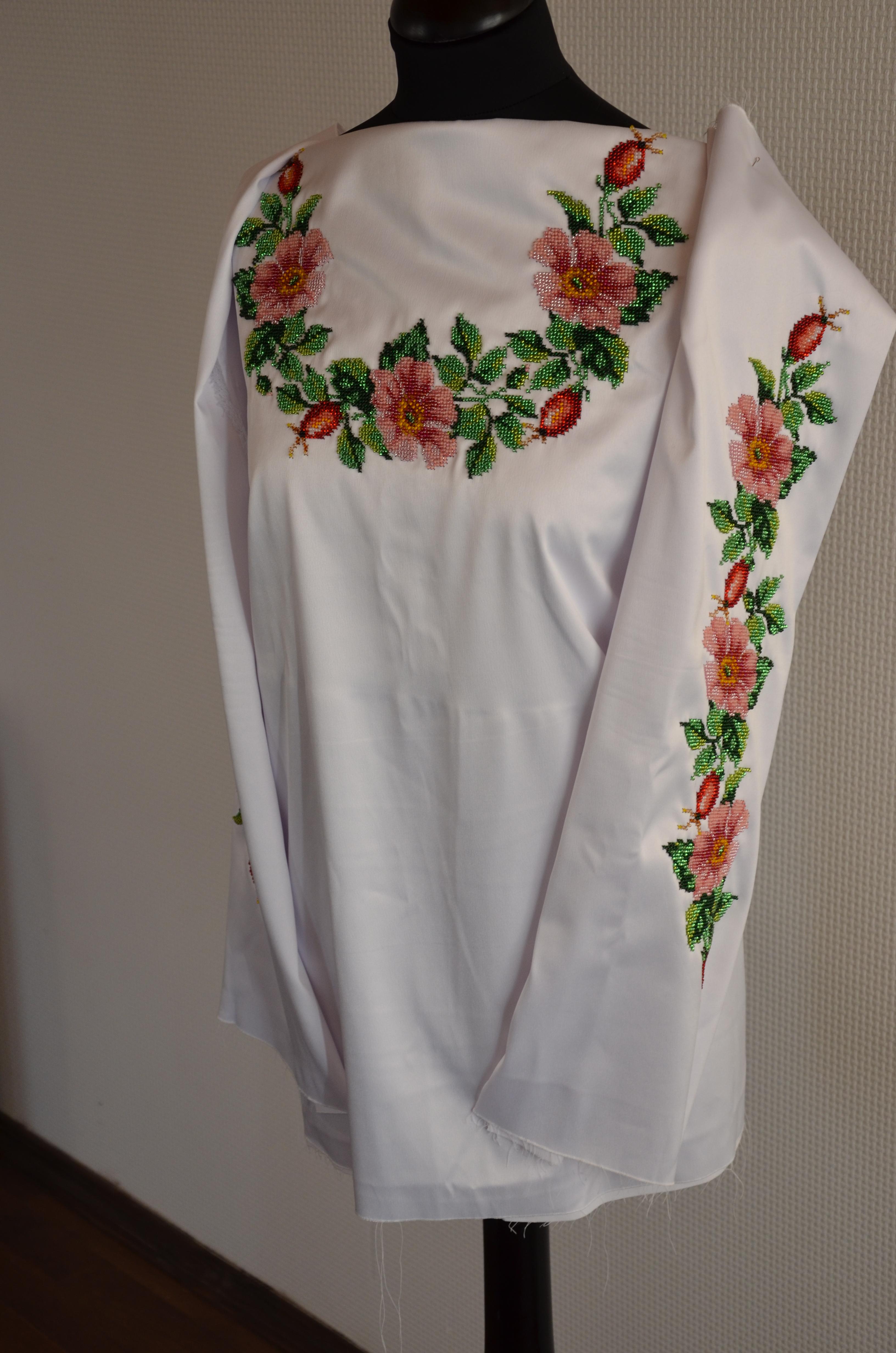 Вишита сорочка бісером Шипшина - Товари - Схеми для вишивки бісером ... aec55db96ddf6