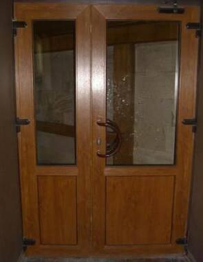 Замовляйте двері металопластикові вхідні