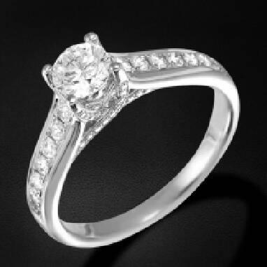 Пропонуємо купити заручальне кільце з білого золота