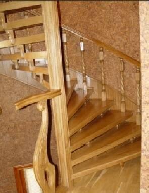 """Столярна майстерня """"Бебко"""": виготовлення гвинтових сходів"""
