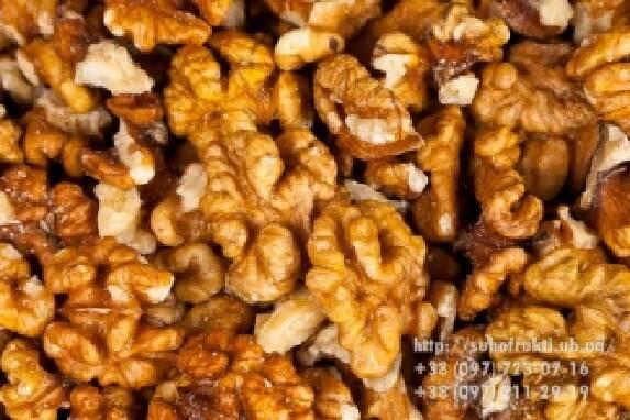 У продажу волоські горіхи, купити на suhofrukti.ub.ua