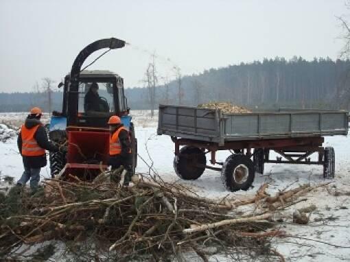 Деревоподрібнююча машина