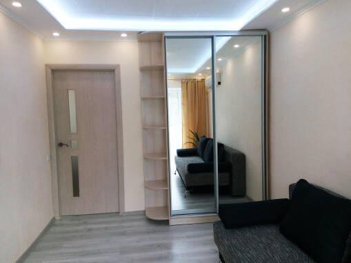 2-к. квартира, поряд із центром, євроремонт, від власника