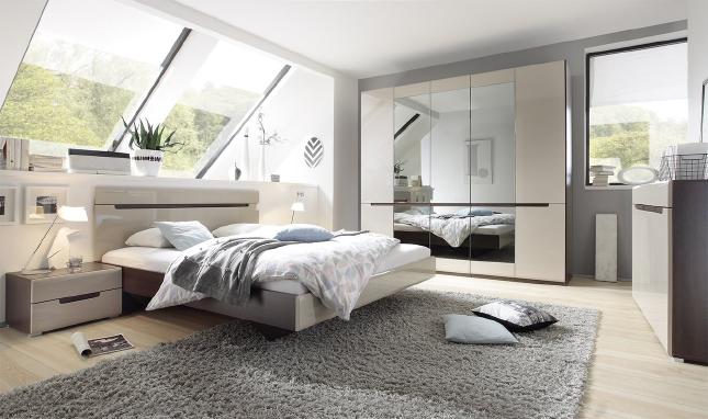 Мебель для спальни шкафы, кровати, тумбочки