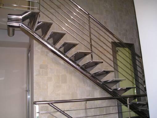 Купить лестницу из нержавейки недорого в Украине