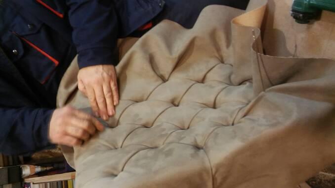 Каретна оббивка меблів недорого