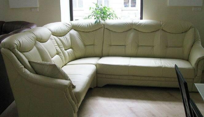Пропонуємо придбати довгі кутові дивани