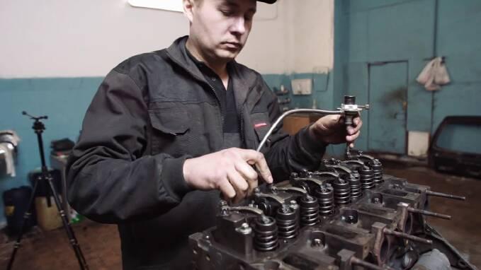 Регулювання клапанів двигуна deutzКиїв