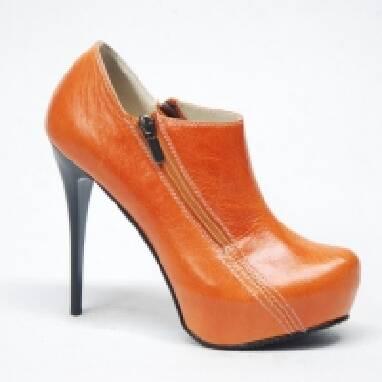 Пропонуємо жіноче шкіряне взуття оптом - від компанії Lexi (Лексі)