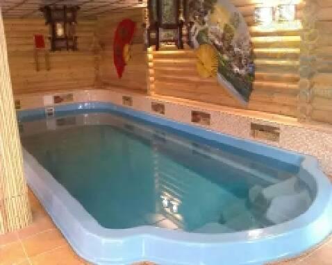 Купити композитний басейн - від великого до маленького - можна тут!
