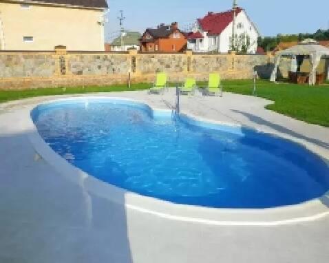 Композитні басейни від ПП Лагуна - надійність і якість за вигідною ціною!