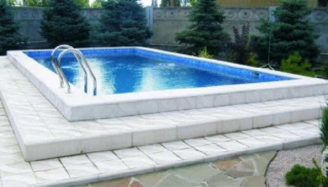 Будівництво басейнів: міні-аквапарки і бетонні басейни під ключ