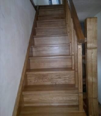 Пропонуємо дерев'яні сходи для дачі