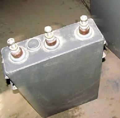 В продаже конденсаторы косинусные  0,4кВ, 0,66кВ, 1,05кВ, 6,3кВ, 10,5кВ