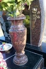 Заказати гранітні вази (Луцьк)