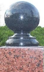 Замовити гранітний пам'ятник, кулі з граніту недорого Волинь (Луцьк)