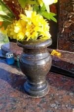 Декоративні вироби з граніту
