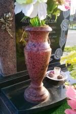 Виготовляємо гранітні вази для гармонійної композиції