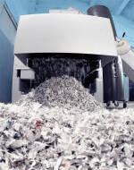 Знищуємо архівні документи шредером і забираємо на переробку!
