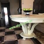 Круглый деревянный стол из дуба