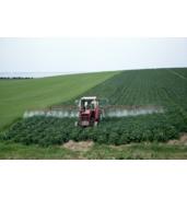 Вносимо хімічні засоби захисту рослин на поля замовника