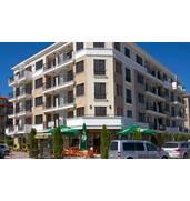 Продаются прекрасные апартаменты в  центре курорта Солнечный Берег, всего в 300 метрах от моря