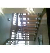 Виготовлення сходів із нержавіючої сталі на замовлення