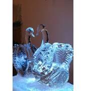 Пропонуємо крижані скульптури замовити у нас!