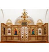 Різьблений іконостас з дерева — особлива прикраса храму!