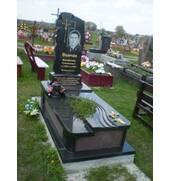 Пропонуємо виготовити масивні надгробні пам'ятники з граніту