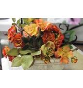 Реалізуємо штучні квіти з Китаюоптом та в роздріб