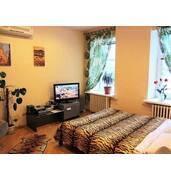 Здається! Однокімнатна квартира подобово в центрі Києва - сучасний ремонт та вся побутова техніка
