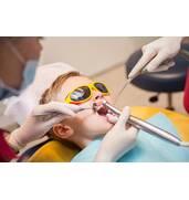 Лікування молочних зубів у дітей і безболісне пломбування в Києві