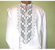 мужская вышиванка с черно-белым узором