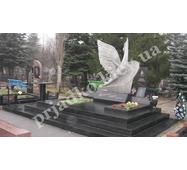 Авторский памятник на кладбище из гранита